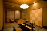 椿花亭 和室