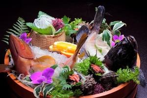 新鮮地魚のお造り盛合せ(例)