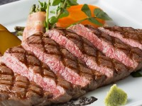 赤身は肉のうま味がつまっています!おかわりしたくなる前に増量オススメします。