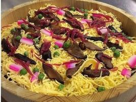 「丹後のバラ寿司」丹後地方に古くから伝わるバラ寿司で、甘辛く煮付けた鯖のおぼろを使ったのが特徴です
