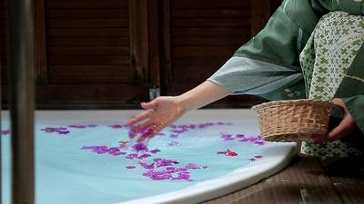 専用露天風呂に浮かべるお花