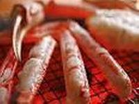 蟹の甘みが引き出される熱々の炭火焼