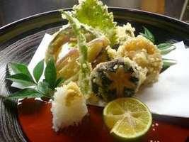 季節の食材を使用した熱々天ぷら♪