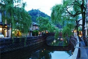 風情ある城崎温泉の街並み